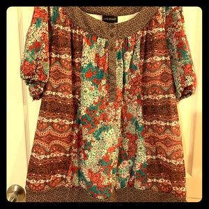 SUPER CUTE!!!! Size 26/28 short sleeve blouse
